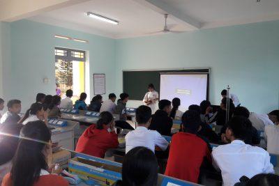 Tổ chức dạy học theo chuyên đề môn Vật lí